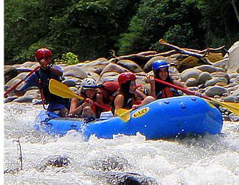 Boquete är Panamas eko-äventyr huvudstad och forsränning är i världsklass i Chiriquis berg