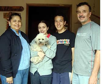 Un hébergement dans une famille d'accueil locale aidera votre famille à apprendre l'espagnol plus rapidement pendant leurs vacances Apprendre l'espagnol