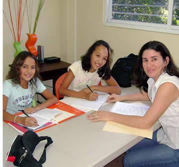 Gezinnen hebben mogelijk ook toegang tot betere tarieven voor hun Spaanse lessen
